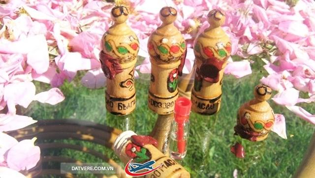 Thỏi tinh dầu hoa hồng Bulgaria.
