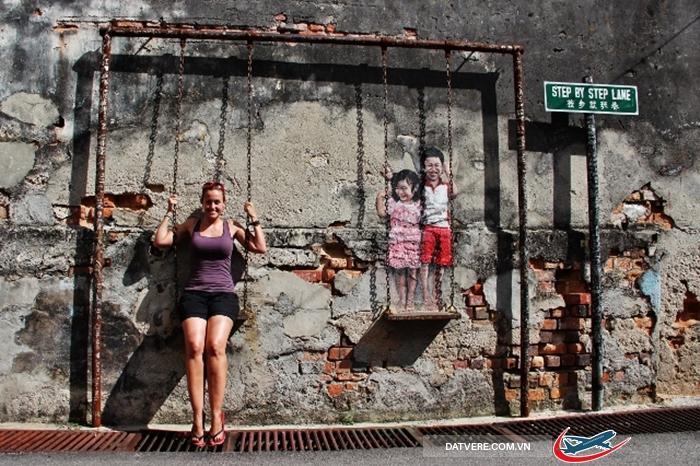 Trải nghiệm chụp một bức ảnh ở Street Art