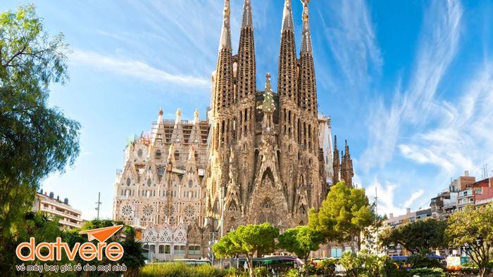 Nhà thờ La Sagrada Familia Tây Ban Nha