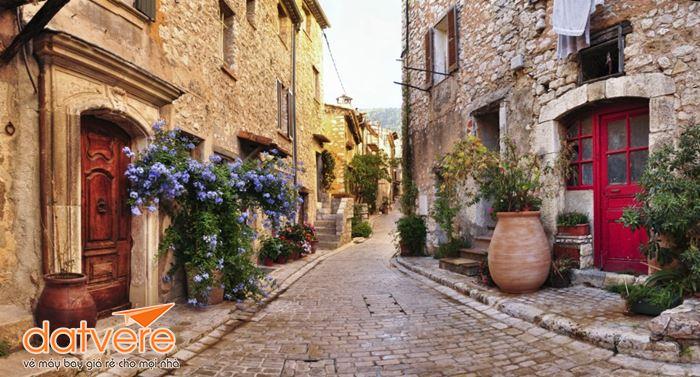 Những góc đường đẹp hút hồn ở Nice cần đi qua