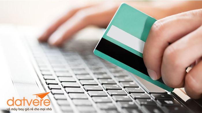 Thanh toán bằng thẻ khi mua vé máy bay qua mạng?