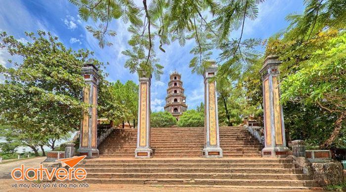 Vẻ đẹp chùa Thiên Mụ Huế