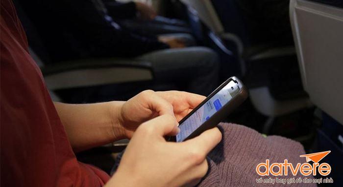 Lưu ý sử dụng điện thoại khi đi máy bay