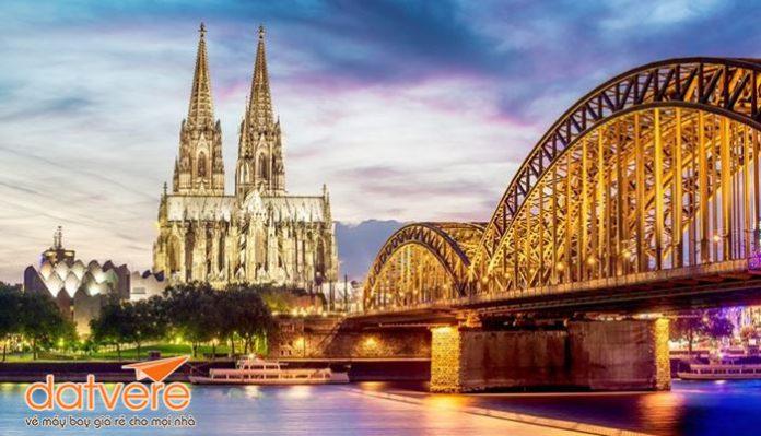 Vietnam Airlines KM vé khứ hồi chỉ từ 585 USD siêu rẻ