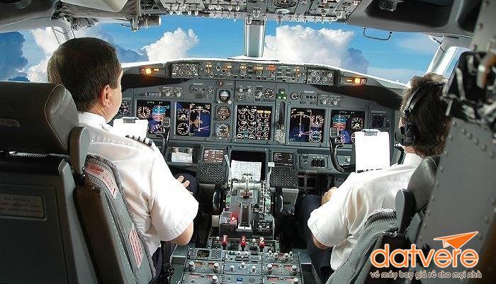 Quy định tắt điện thoại khi đi máy bay