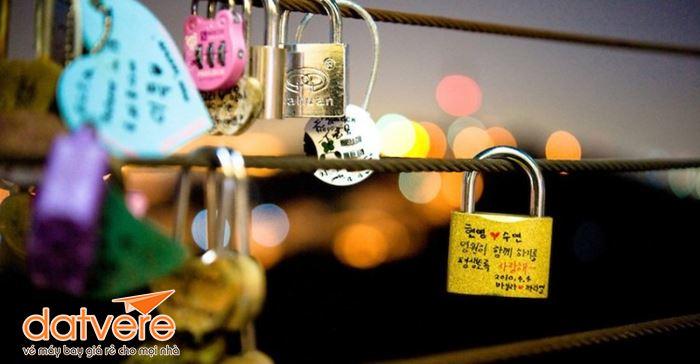 Cùng một nửa ghé thăm tháp N Seoul
