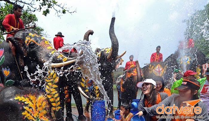 Sôi động ngày Tết Songkran Thái Lan