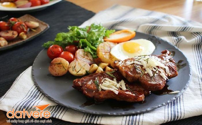 Quyến rũ hương vị bò bít tết rán của người Áo