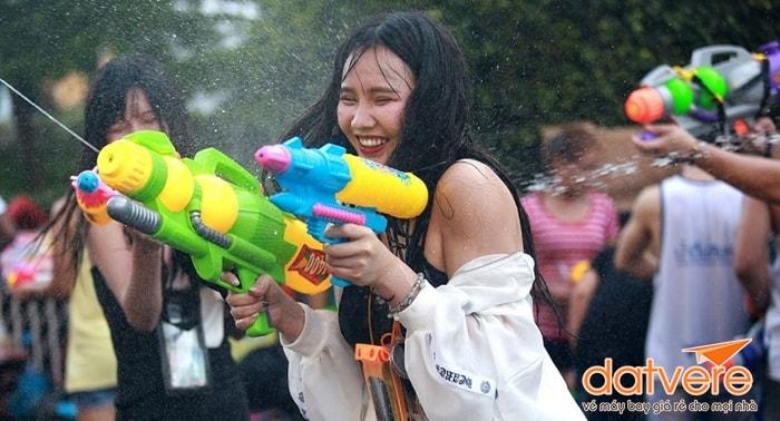 Lưu ý khi tham gia lễ hội té nước ở Thái Lan