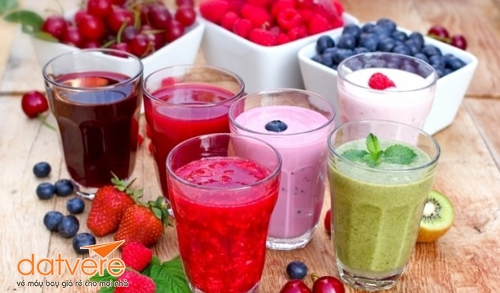 Nên uống sinh tố hoa quả và nước ép