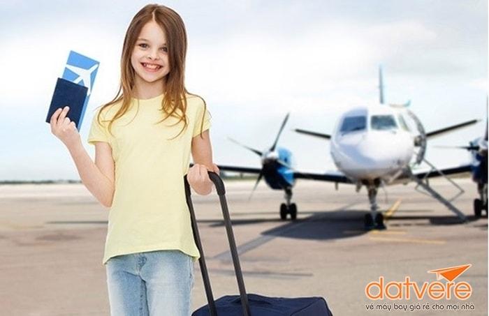 Giấy tờ khi đi máy bay cho trẻ em